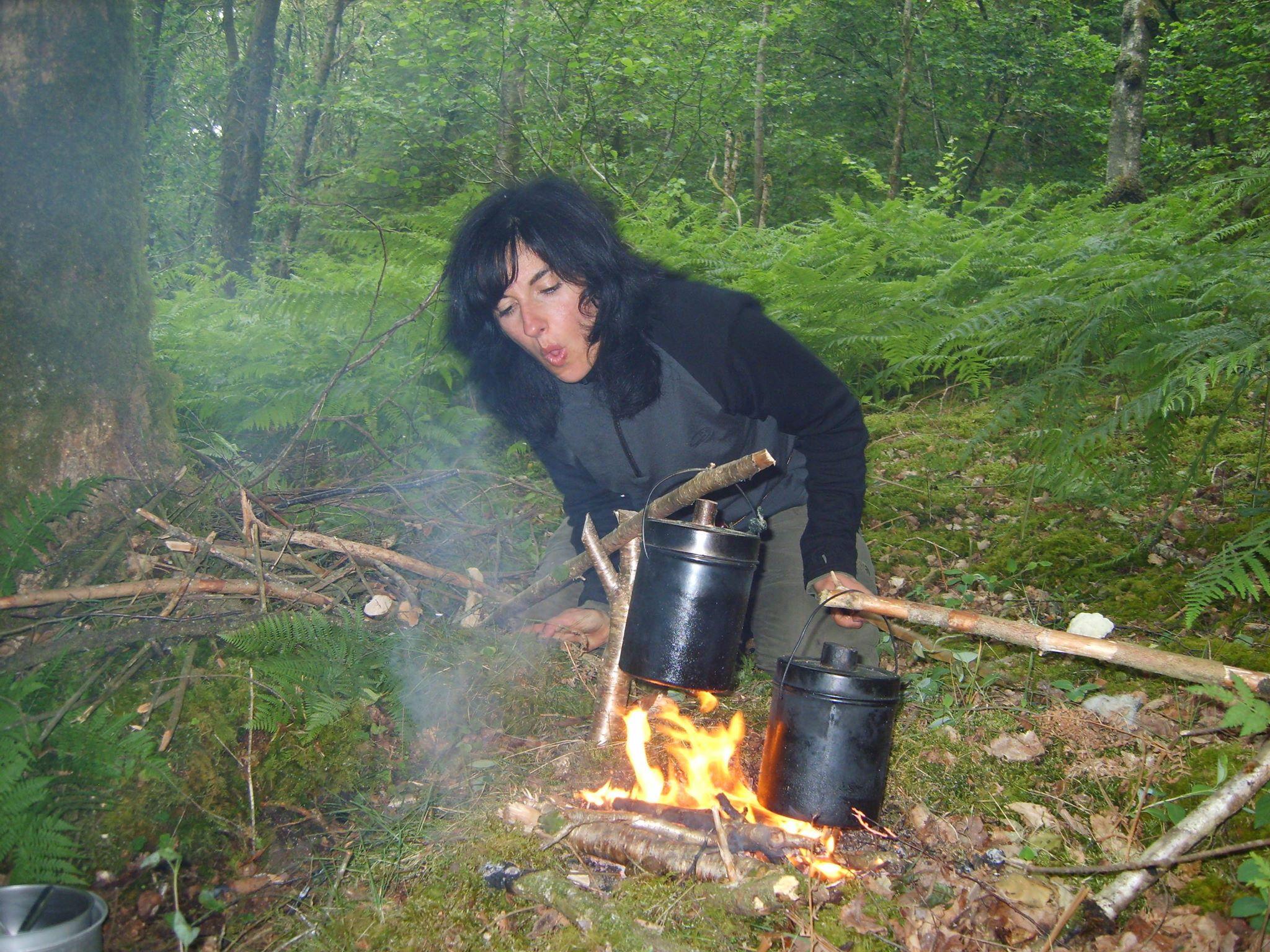 Kiki NARDIZ - making fire - ancestral skills